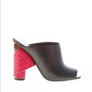 ❤️blogger's favorite❤️Balenciaga red cable mules